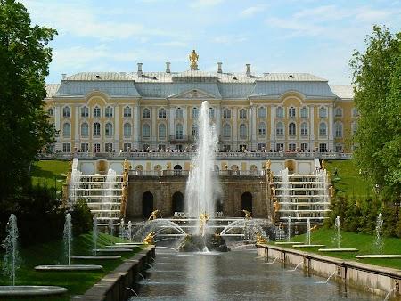 Circuit Rusia: Palatul lui Petru cel Mare de la Petrodvaret