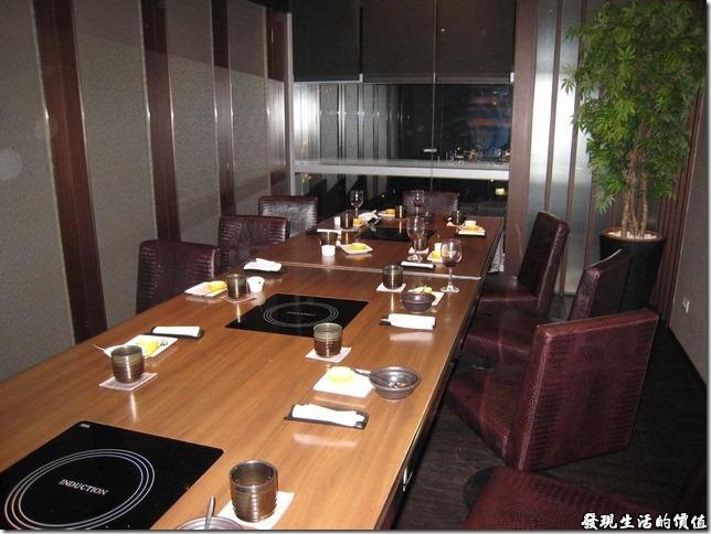 台北新光三越-紅豆食府●壽喜燒。Shabu-san的小包廂一隅。