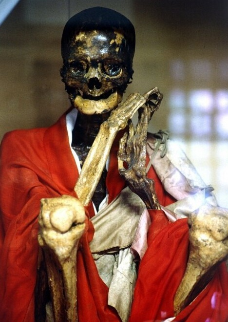 Sokushinbutsu5%25255B4%25255D - Sokushinbutsu: The Bizarre Practice of Self Mummification - Weird and Extreme