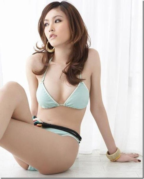 thai-model-nong-poy-15