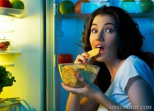 ledusskapis-sieviete-parsteigums-dieta-izbrins-45558424