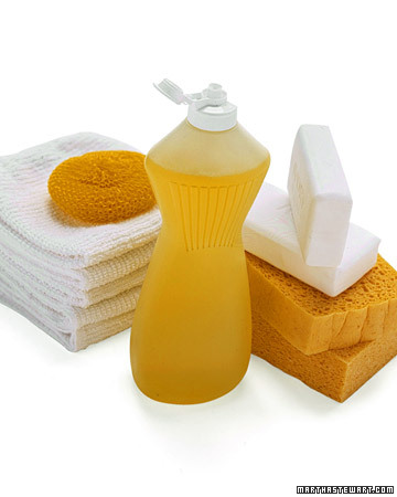 Your universal cleaning kit should include: 