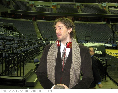 'Pau Gasol' photo (c) 2010, Antonio Zugaldia - license: http://creativecommons.org/licenses/by/2.0/