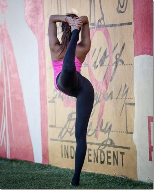 yoga-pants-please-012