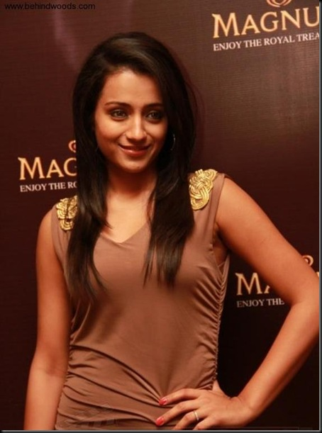 Trisha-at-Magnum-Ice-Cream-Launch-event9