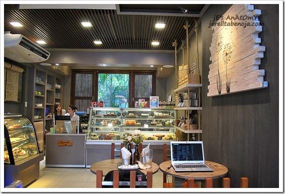 K & L Cafe, White Plains, Katipunan, Quezon City, cupcakes