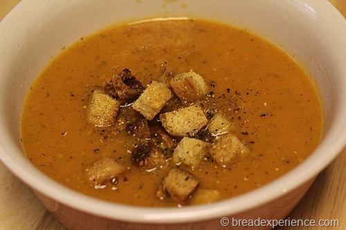 soup-with-croutons_1568_thumb[2]