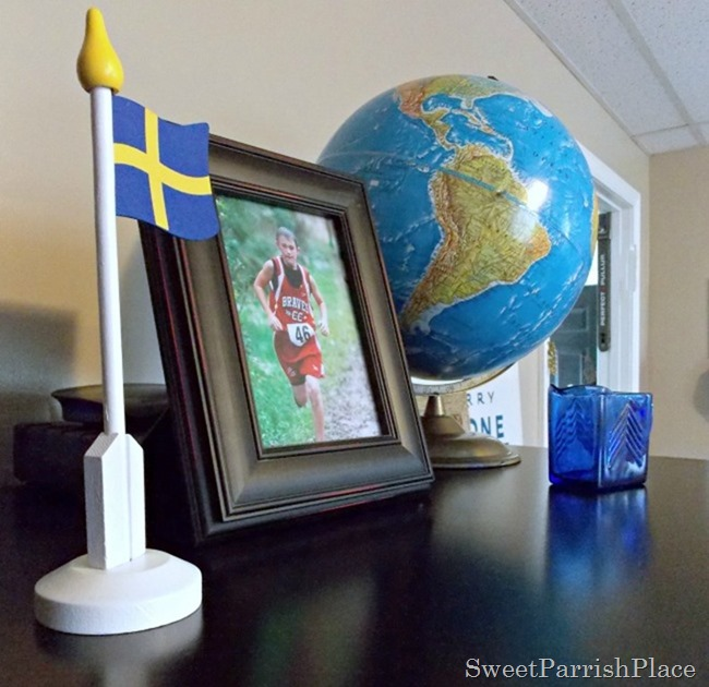 family room globe 2