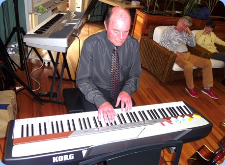 Our Special Guest Artist also gave the Club's Korg SP-250 Piano an airing with a great demonstration of the variety of sounds that this digital piano articulates.