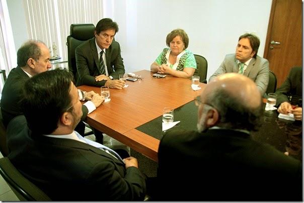 Oiticica Reunião justiça e governo fot Ivanizio Ramos9