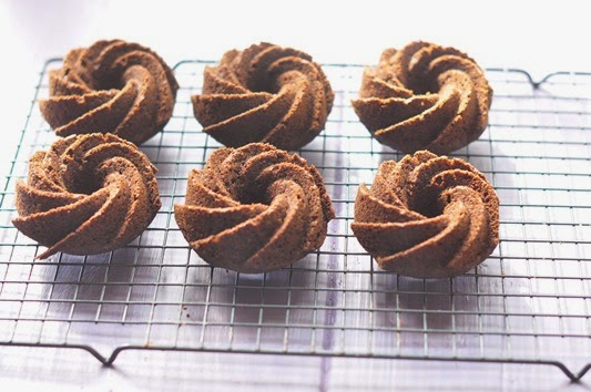 GF_chocolate_mini_bundts_9_gr