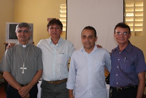 Da esq para dir - Dom Plinio, João Maria (2º lugar), Edson de Sousa (1º lugar) e Pe. Francisco Pereira