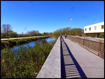 01b - Oasis Visitor Center - boardwalk
