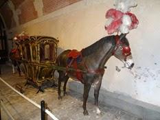 2015.04.06-005 chaises à mules au musée des équipages