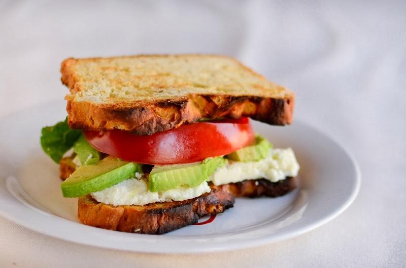 gluten free tomato+avoado+feta sandwich