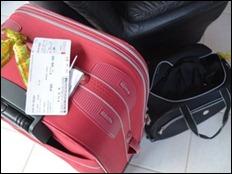 Excesso de malas torna a viagem desconfortável (Foto: Suzana Amyuni/G1)