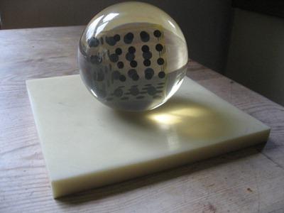 Enzo Mari: Deformazione ottico-dinamica di un cubo in una sfera