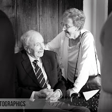 Marwell-Hall-Wedding-Photography-LJPhoto-CSS-(109).jpg