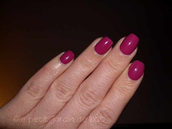 007-accessorize-polish-heart-beat