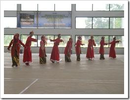 4.TARI BUJANG GADI-Pagelaran Karya Seni Tari III (PAKASERI III) Kelas XI IPA SMAN Pintar  2011 Berjalan Sukses dan Luar Biasa
