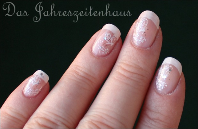 French Manicure mit Schmetterling 2