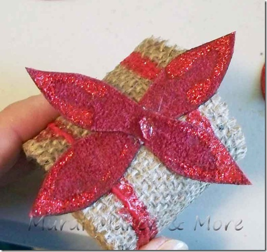 poinsettia-napkin-ring-3