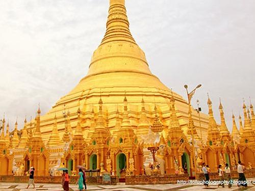 người áo lam - du lịch chùa vàng shwedagon