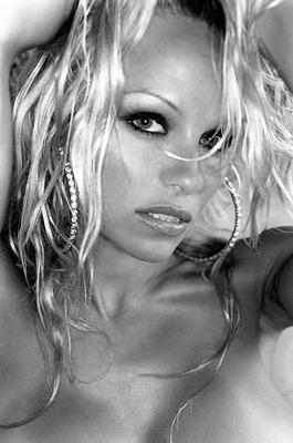 pamela-anderson, glamour-blonde