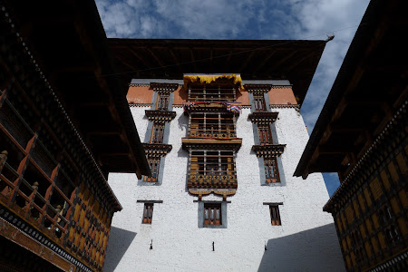 244. Paro dzong.JPG