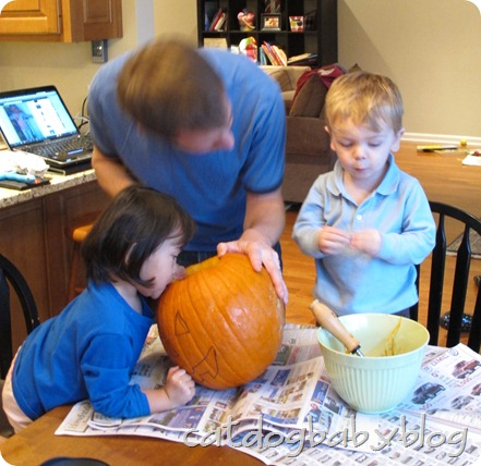 2012-10-28 pumpkin carving (18)
