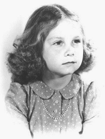 de 1942, tiene cuatro años.