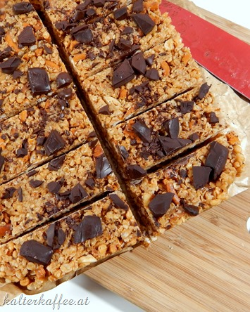 Easy No Bake Peanut Butter Pretzel Granola Bars