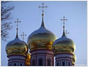 олотые купола Собора Иверской иконы Божией Матери