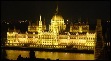 buda parliament night