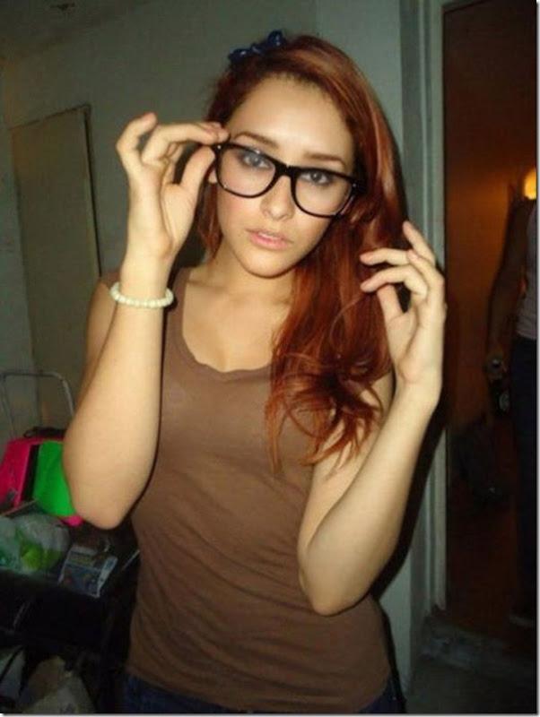 lindas mulheres de oculos (32)