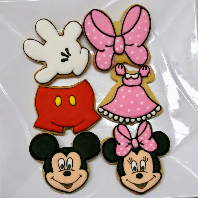 minnie mouse and mickey mouse cookies