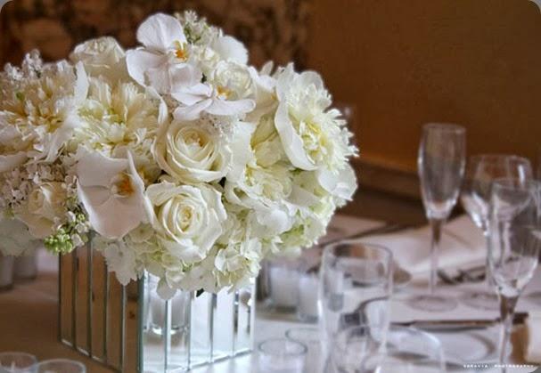 mirrored vase golf06-04-11fixed13 tantawan bloom
