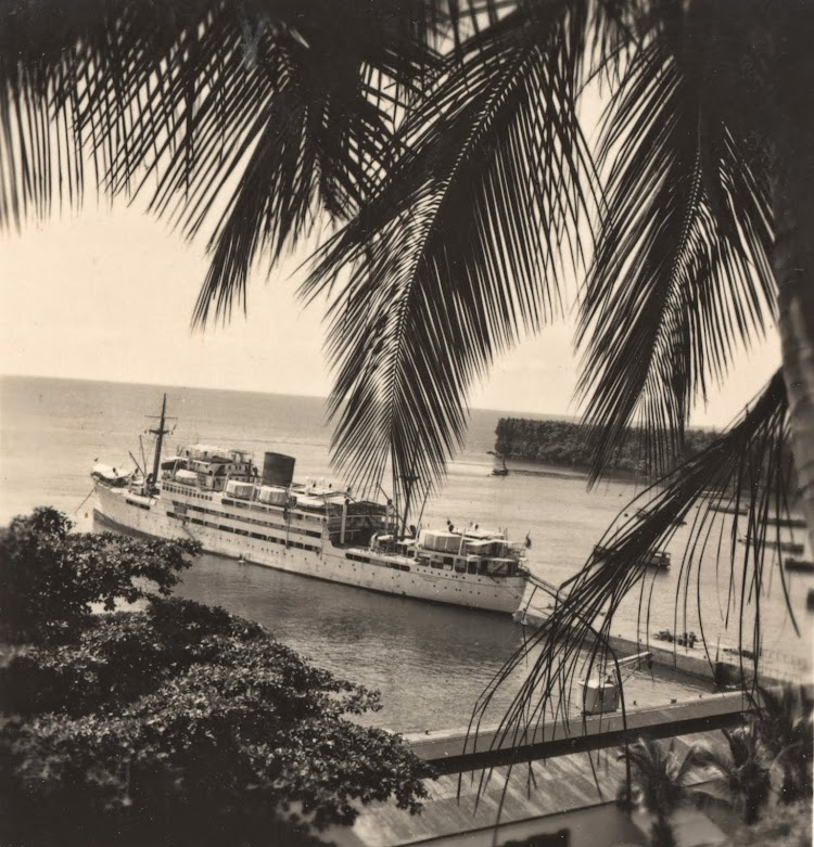 El FERNANDO POO en Santa Isabel. Ca. 1936. Archivo FEDAC.jpg