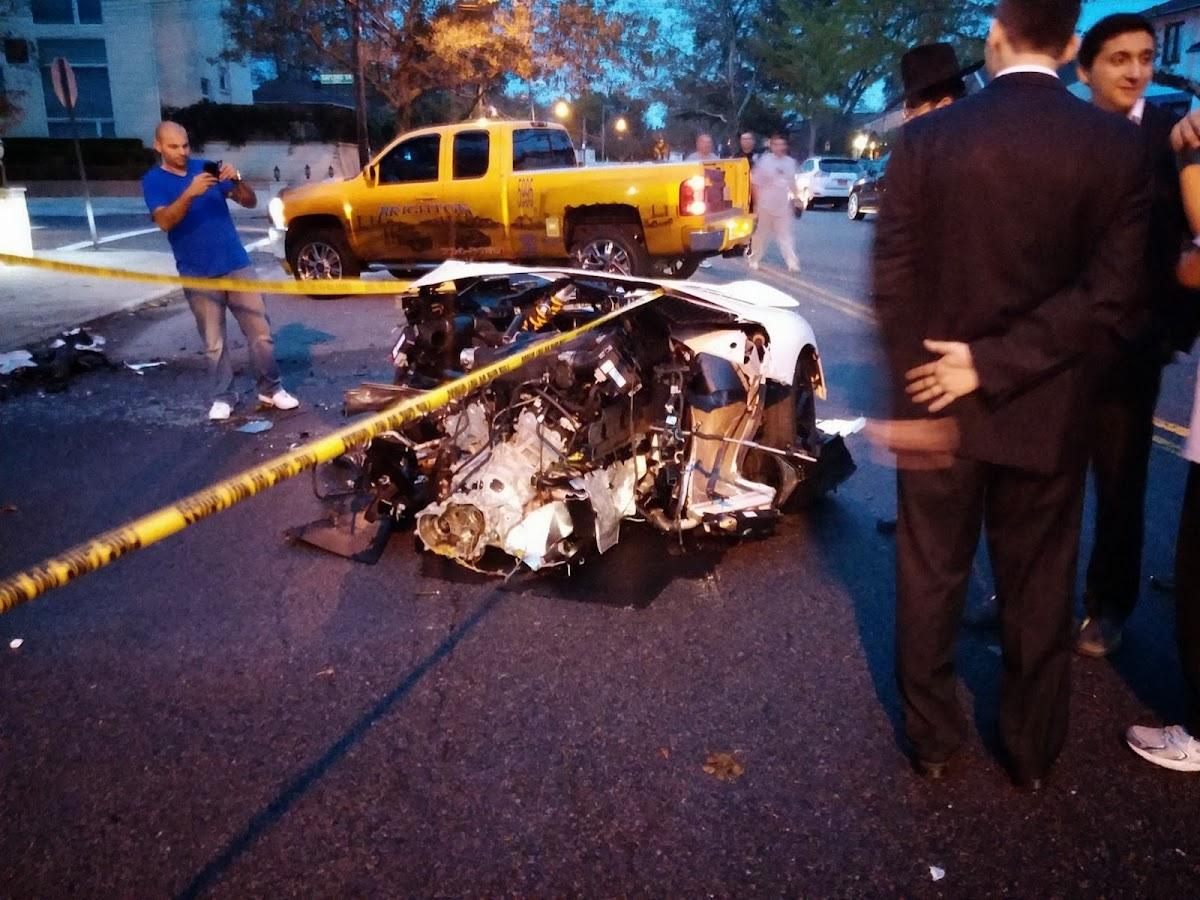 Lamborghini crash_1 lamborghini crash_2