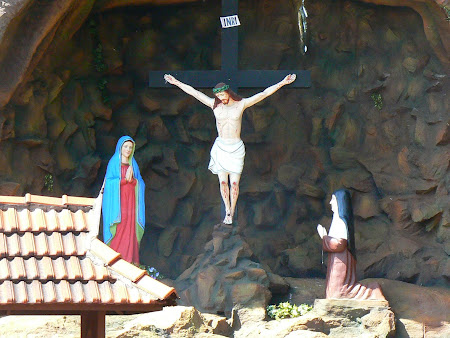 Sights of Kerala: Crucifix