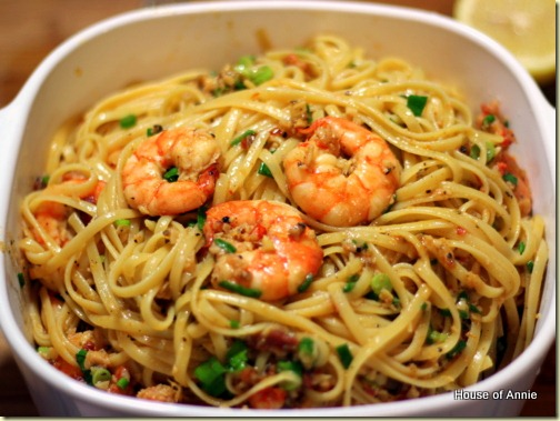 Shrimp scampi ready to serve