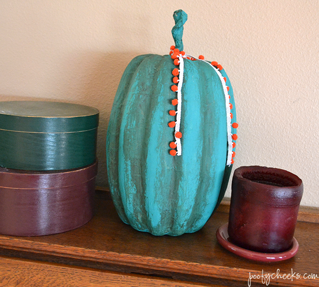 Chalk Paint Pumpkin - Easy Fall Craft and Decor