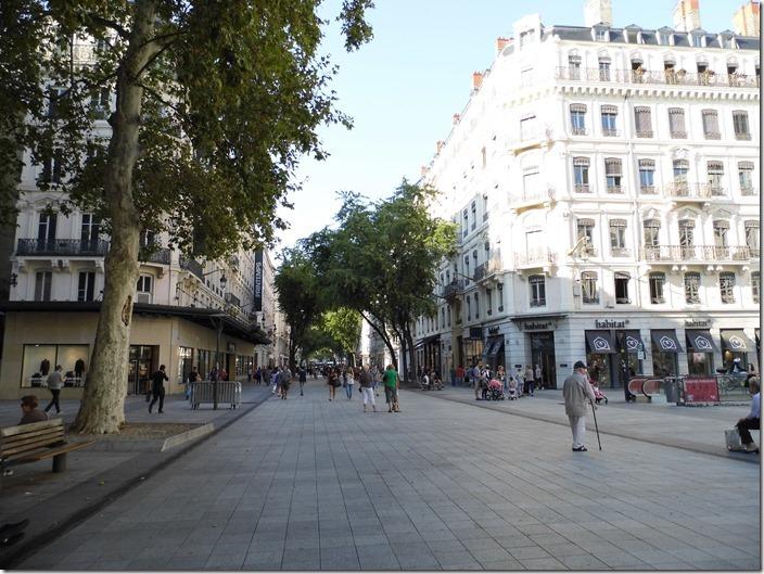 Lyon 27