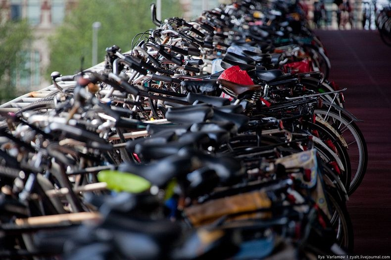 amsterdam-bicycles-2