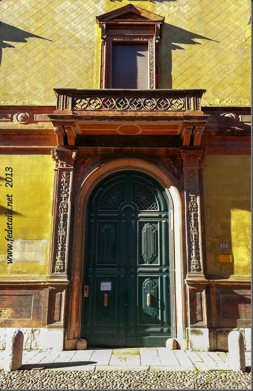 Palazzo Gulinelli (portone ), Ferrara, Emilia Romagna, Italia - Gulinelli building ( doorway ), Ferrara, Emilia Romagna, Italy - Property and Copyrights of Fedetails.net