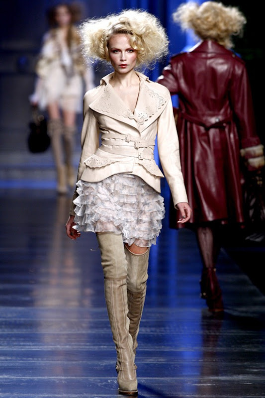 christian-dior-ready-to-wear-fall-2010-3