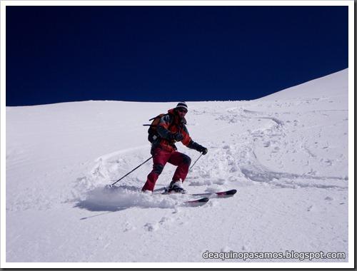 Arista NO y Descenso Cara Oeste con esquís (Pico de Arriel 2822m, Arremoulit, Pirineos) (Isra) 9475