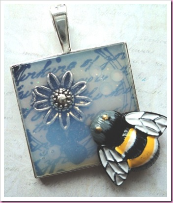 Silver pendant tray with bee