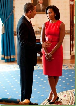 michelle-obama-red-dress-100209-de-49830699[3]