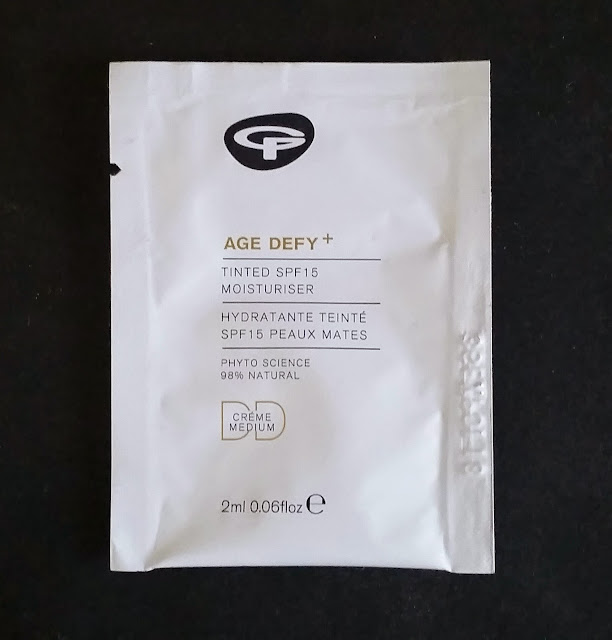 Green People Age Defy + Tinted DD Moisturiser SPF15.
